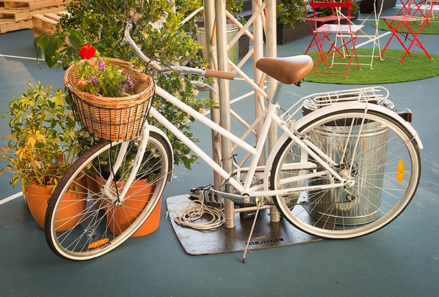 Features: Design Props, Vintage Bicycle